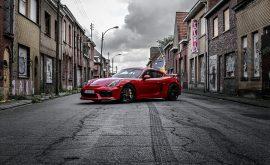 Photo Porsche GT4 Rouge