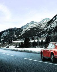 En Porsche à la Montagne