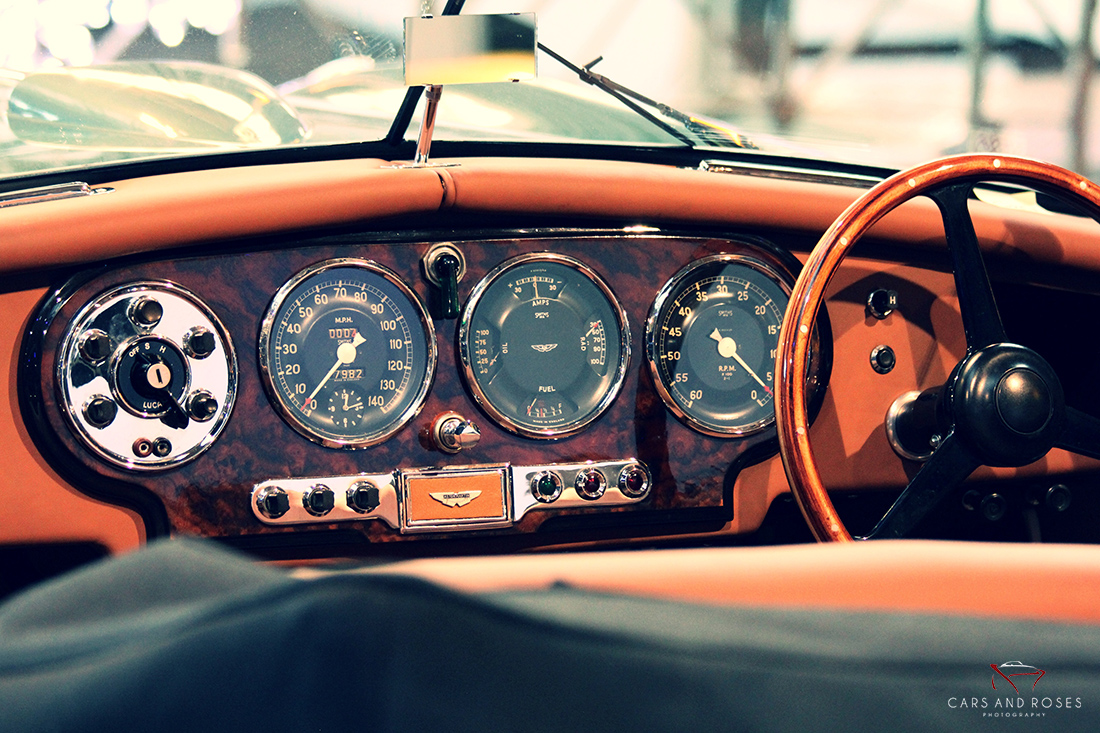 ASTON MARTIN DB2 INTERIOR