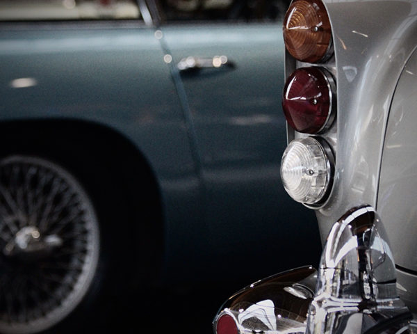 ASTON MARTIN DB5 REAR HEADLIGHTS