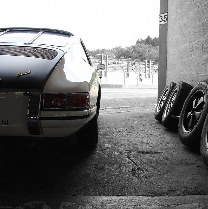 Classic 911 Porsche and Tires