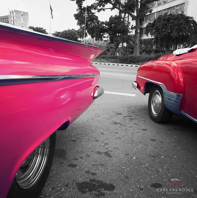 tableau voiture cubaine cars and roses. Black Bedroom Furniture Sets. Home Design Ideas