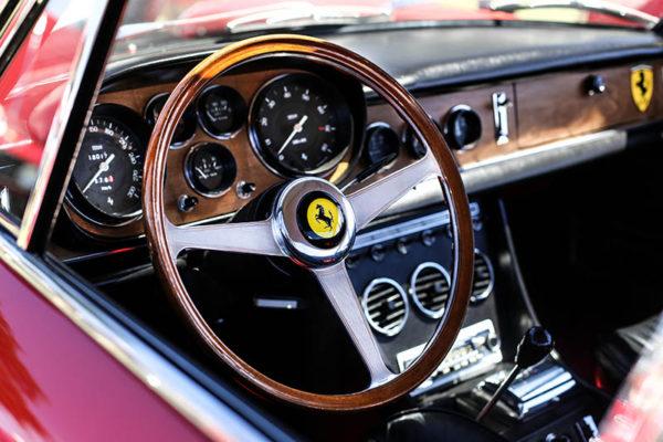 Photographie Ferrari 330 GTC