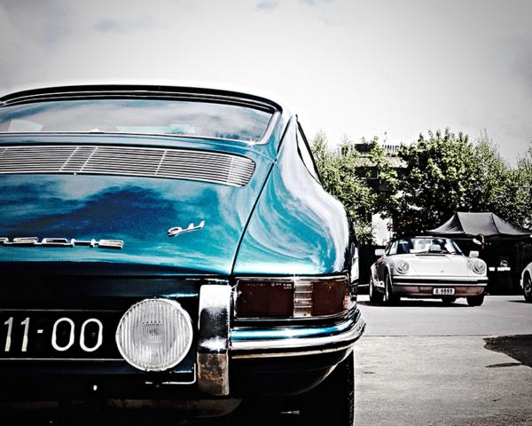 Old Porsche 911 (901) Duet