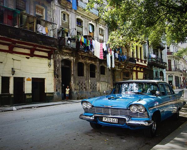 Tableau de voiture rue cuba